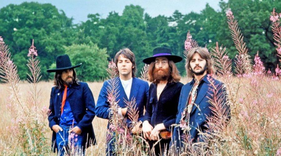 """[Paul McCartney diz que John Lennon """"instigou a separação dos Beatles""""]"""
