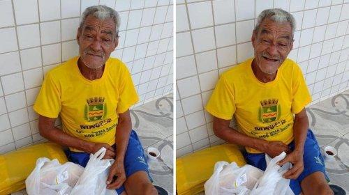[Vivendo nas ruas de Maceió, idoso de 67 anos quer encontrar irmãos que moram no bairro de Pern...]